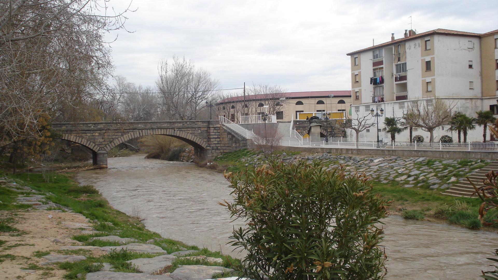 Puente, Parque de Goya y Plaza de Toros
